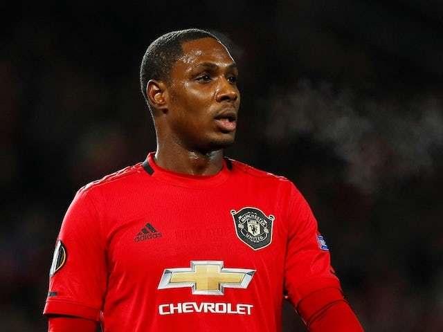Ighalo cầu nguyện ký MU, Chelsea bán Kane cho Real
