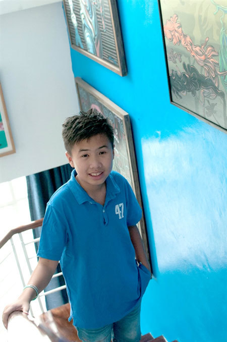Pre-teen novelist,author Cao Viet Quynh,reading books,watching movies