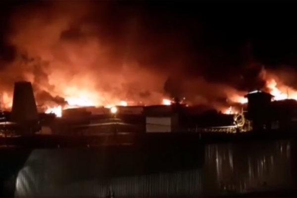 Nhà tù Nga bốc cháy ngùn ngụt, hàng trăm người bị thương