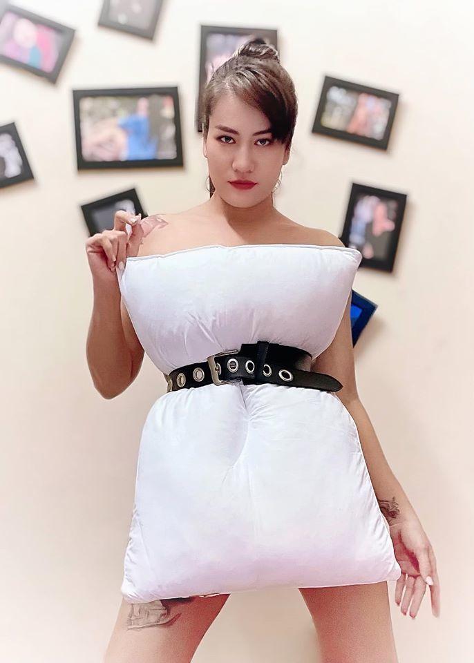 Trấn Thành, Kiều Anh đẹp 'chất ngất' biến tấu chụp ảnh với gối
