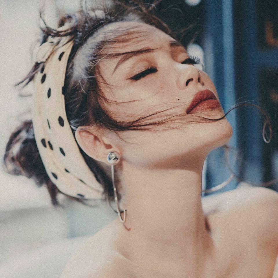 Hotgirl Linh Rin, bạn gái thiếu gia Phillip Nguyễn đẹp, sành điệu cỡ nào?