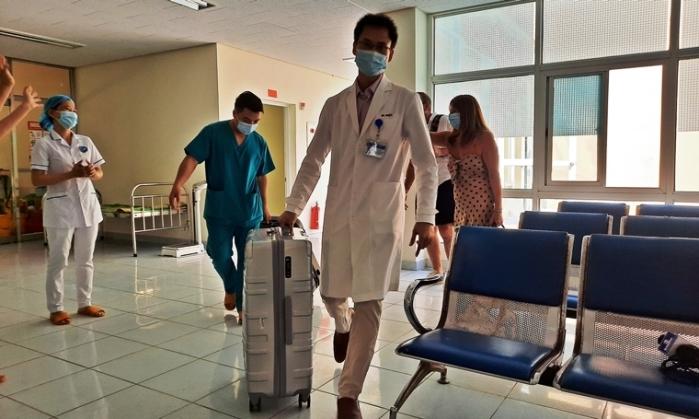21 ngày điều trị cho du khách người Anh nhiễm Covid-19