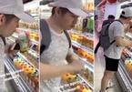 Hai thiếu niên Singapore bị buộc tội vì uống thử nước siêu thị để truyền Covid-19