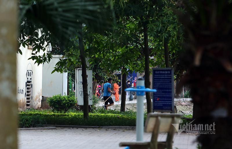 'Cần thủ' cuồng chân, tấp nập đi câu bất chấp lệnh cách ly ở Hà Nội