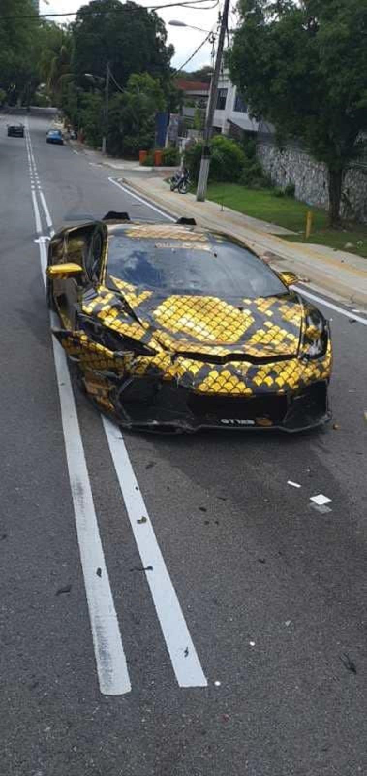Khí chất đại gia, gây tai nạn, đền nạn nhân ngay xe mới