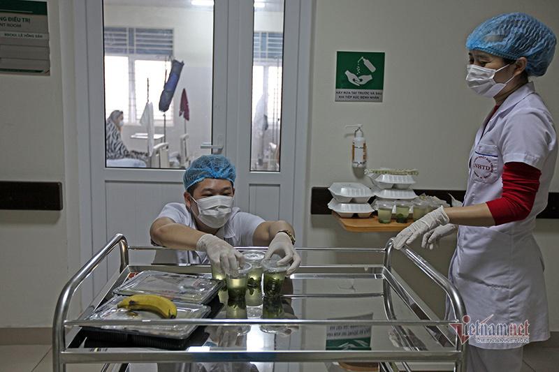 Bệnh nhân 109: 'Những cơn đau nửa đầu dồn dập, tôi ngửi đâu cũng thấy mùi ẩm mốc'