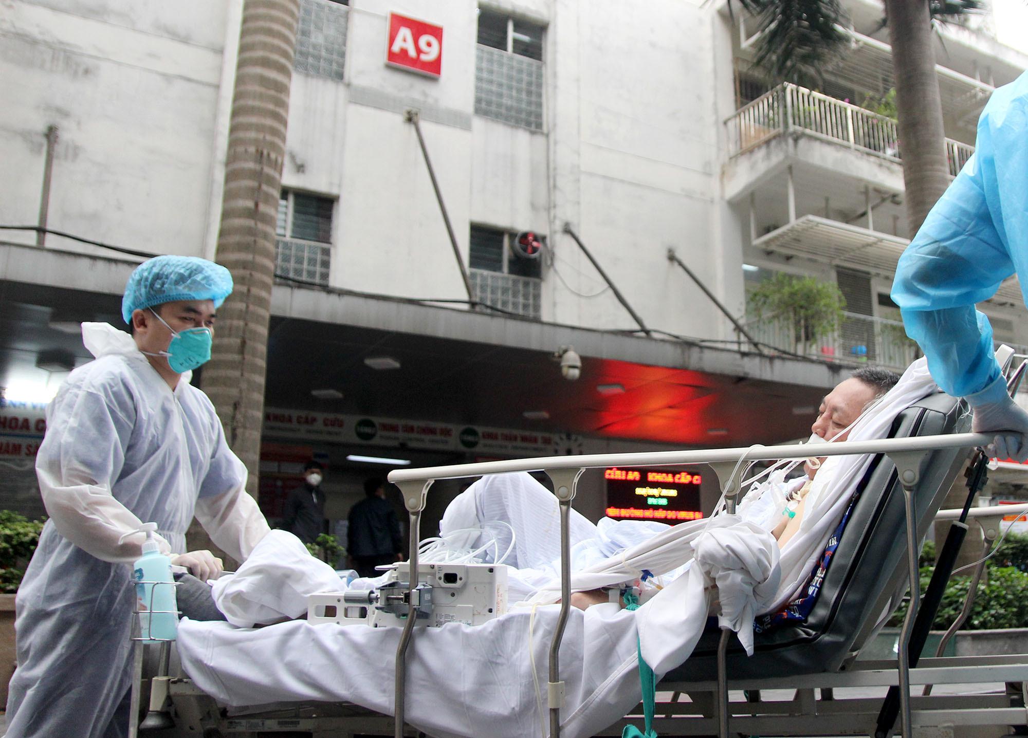 cách ly xã hội,Bệnh viện Bạch Mai