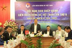"""VFF bơm """"doping"""" cho tuyển Việt Nam: Tăng dễ, làm mới khó!"""