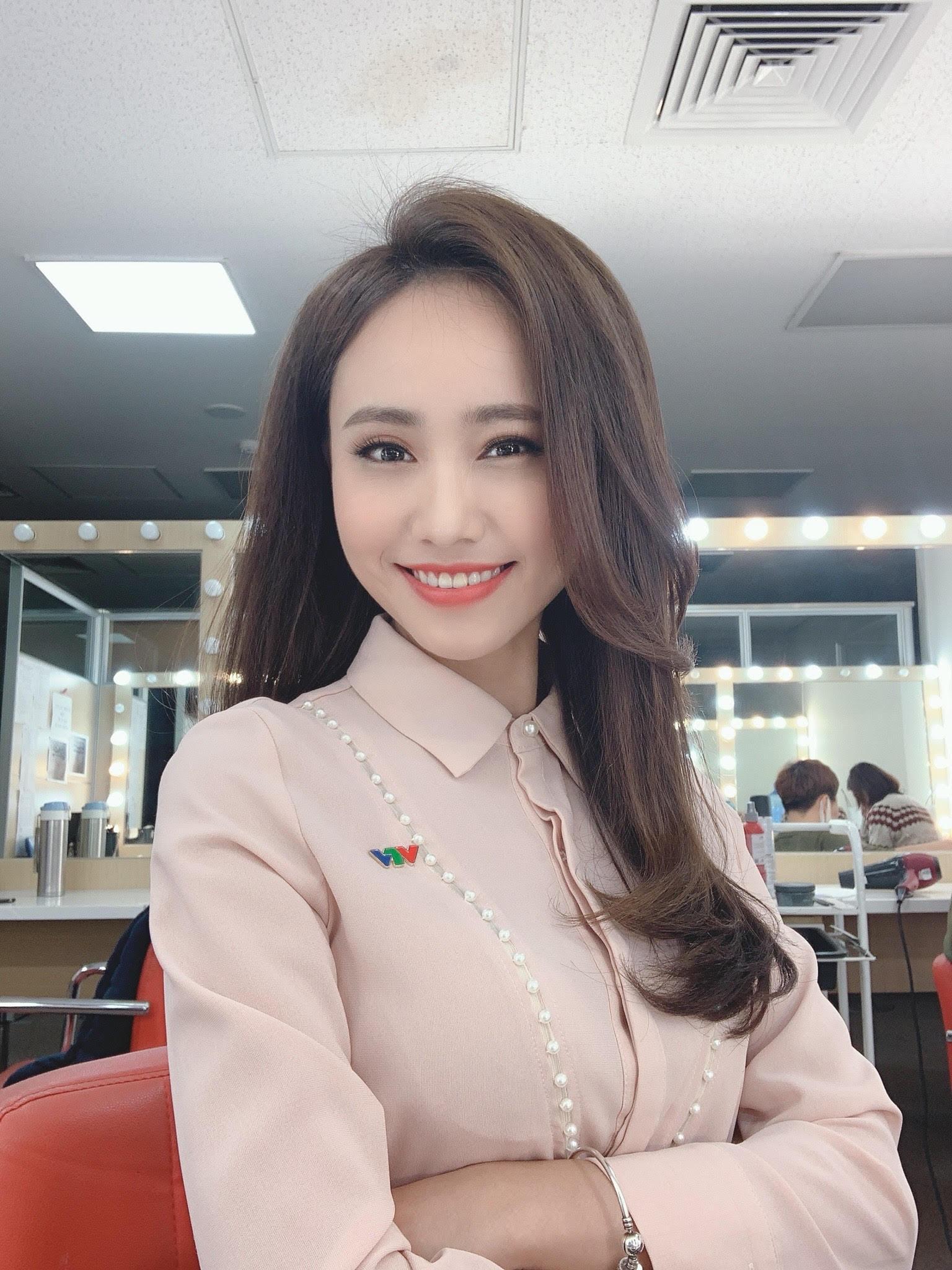 MC thời tiết Xuân Anh: Nhảy đẹp, có bạn trai, lương VTV tỷ lệ thuận với đam mê