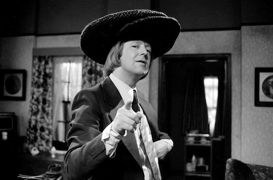 Danh hài nổi tiếng Tim Brooke-Taylor chết vì Covid-19