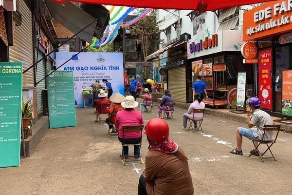 'ATM gạo' nghĩa tình đầu tiên ở Tây Nguyên tuôn chảy