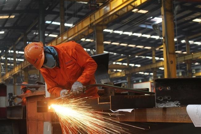 Lao động đã có lương hưu nhưng vẫn đi làm, có phải tham gia BHXH?