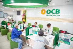 OCB tặng hàng nghìn khẩu trang, gel rửa tay cho khách hàng