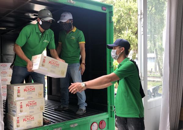 NutiFood tặng hàng ngàn sản phẩm dinh dưỡng cho bộ đội chống dịch