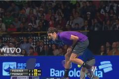 Federer và những tay vợt đau điếng vì sự cố bất ngờ
