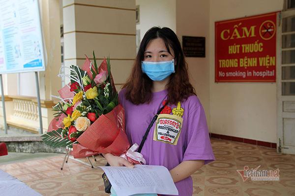 Cô gái 17 tuổi khỏi bệnh Covid-19 muốn quay lại làm tình nguyện viên
