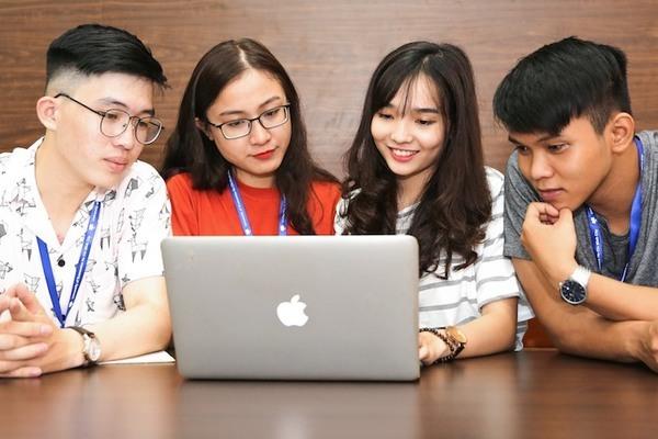 Trường ĐH Kinh tế TP.HCM dành 20 tỷ đồng hỗ trợ học phí