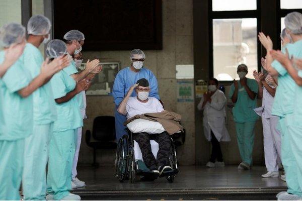 Cựu binh Brazil 99 tuổi chiến thắng bệnh Covid-19
