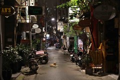 Hanoi's bustling streets in Old Quarter turn quiet amid COVID-19