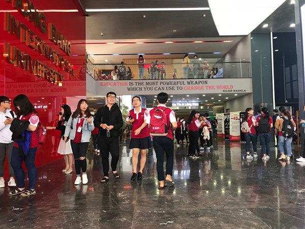 VN universities provide scholarships to ease burden on disadvantaged students