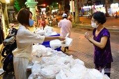"""Cùng VietNamNet """"Quyên góp mua gạo, trao gửi yêu thương"""""""