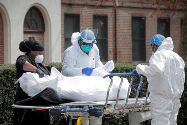 Số ca tử vong ở Mỹ do Covid-19 tăng vọt, thế giới dè dặt nới lỏng phong tỏa