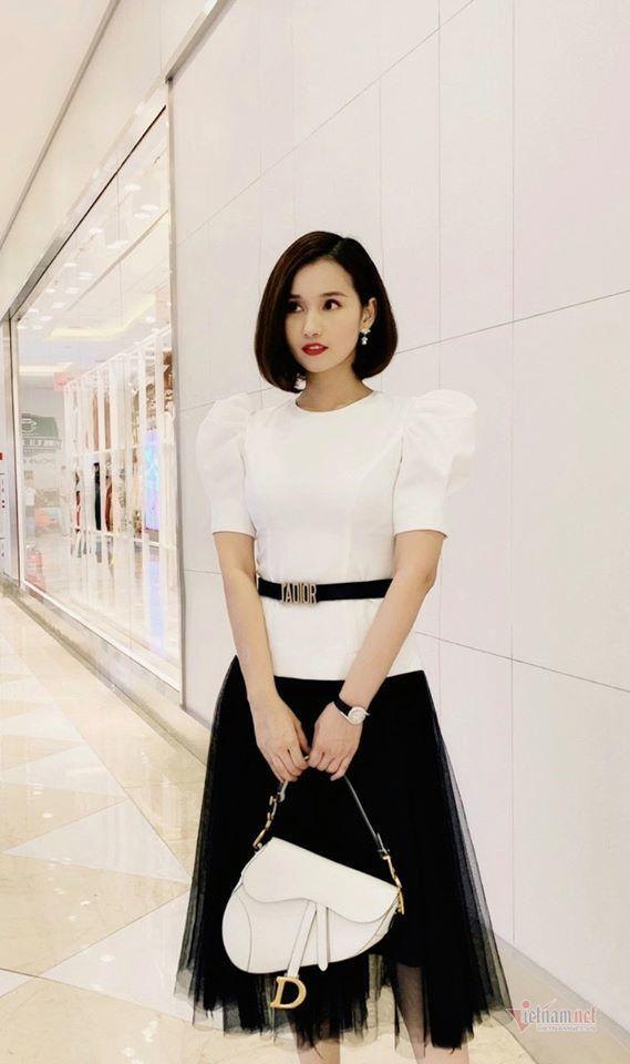 Hàng hiệu đắt tiền của mỹ nhân mặc đẹp nhất 'Tình yêu và tham vọng'