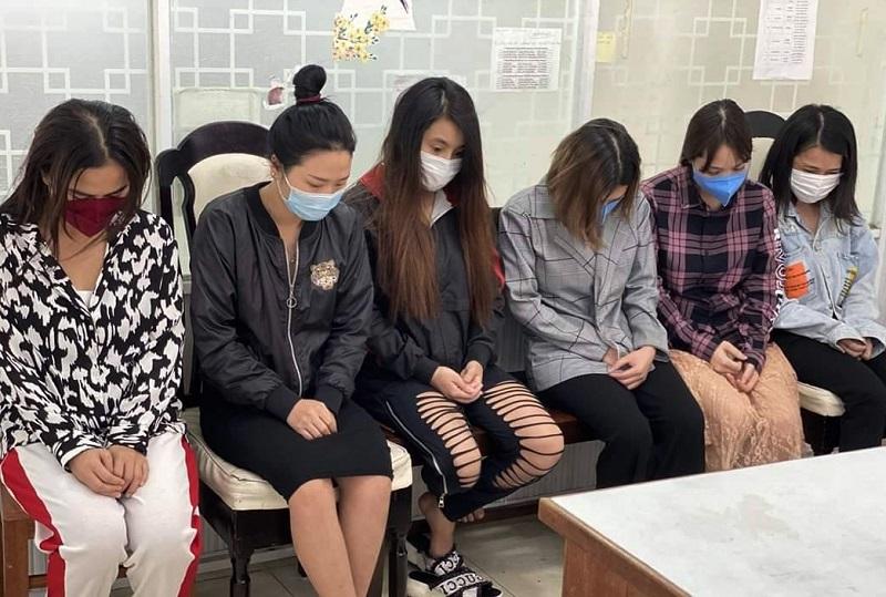 Xóa sổ nhóm kín trên mạng xã hội chuyên thuê nguyên khách sạn bán dâm