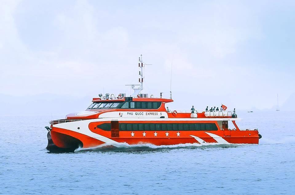 Đường sắt đề xuất tăng tàu chạy, đường biển được chở khách ra đảo