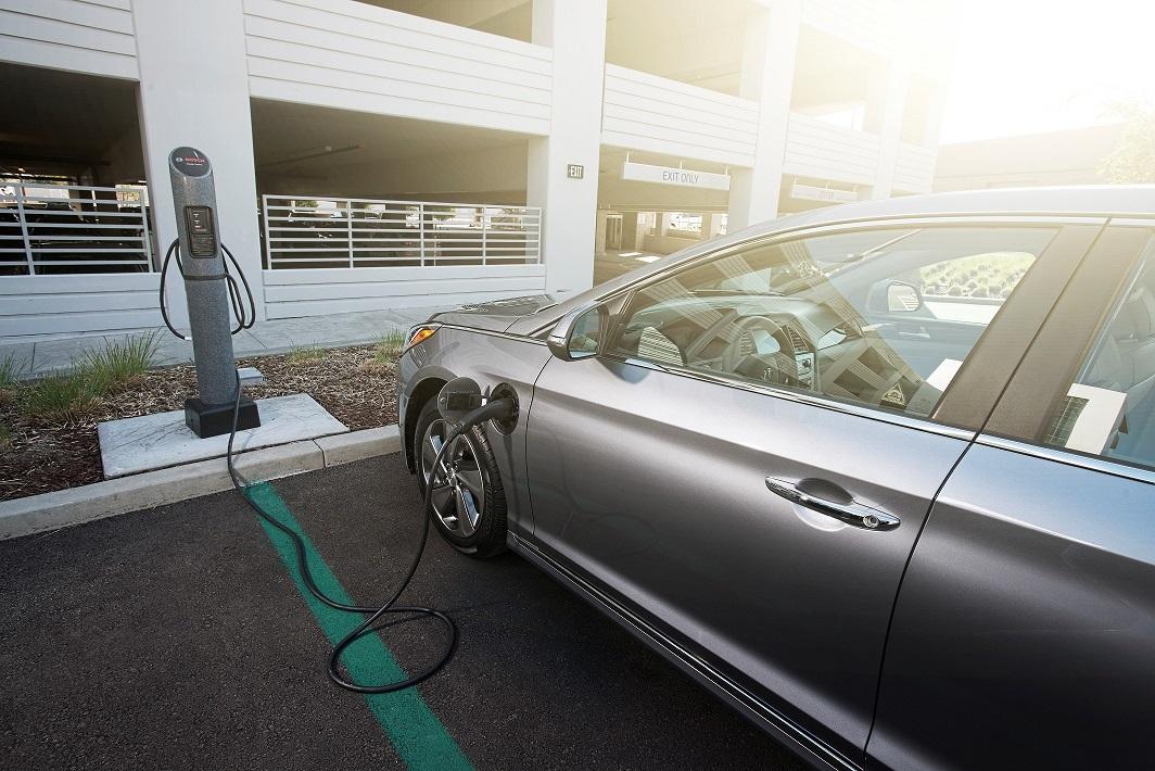 Sắp thử nghiệm 500 xe taxi điện ở Thái Lan