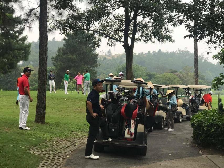 Sân gôn ở Hà Tĩnh, Nghệ An đông đúc người chơi bất chấp lệnh cách ly