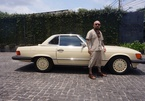 Mercedes -Benz SL-560 35 tuổi, đẳng cấp chơi xe của đạo diễn Dương Chí Công