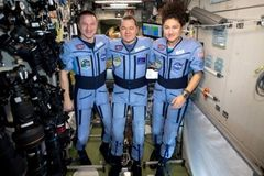 Coronavirus: Space crew return to very different Earth