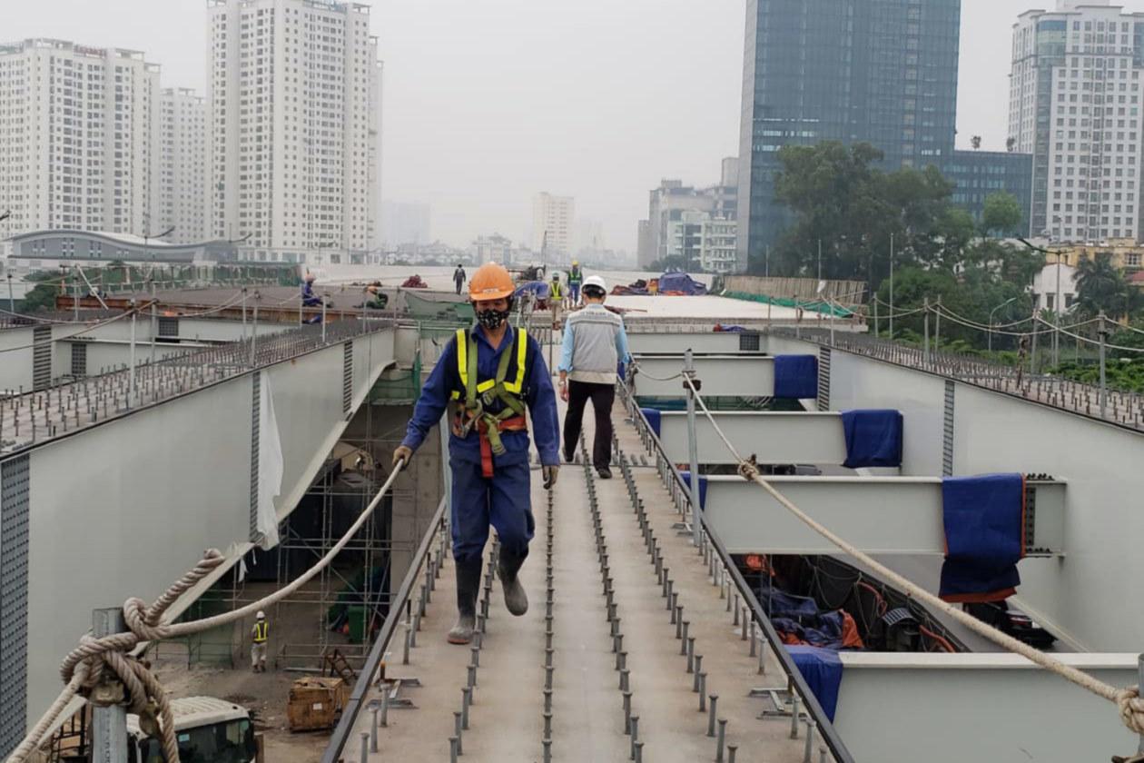 Hơn 700 công nhân ngày đêm thi công dự án 5.300 tỷ giữa mùa dịch