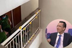 Vợ tiến sĩ Bùi Quang Tín làm việc với công an vụ chồng rơi lầu tử vong