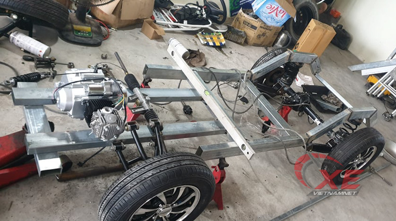 Xe 'Jeep mui trần' tự chế đẹp long lanh của dân chơi Ninh Bình