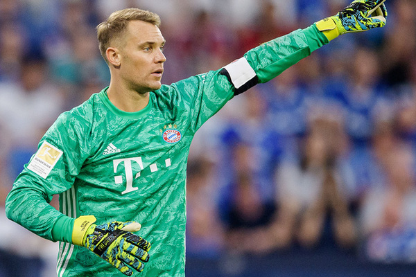 """Manuel Neuer tức điên vì bị Bayern Munich """"chơi khăm"""""""