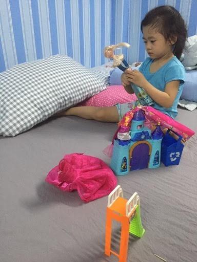Lavie, con gái Mai Phương: 'Con nhớ mẹ quá!'