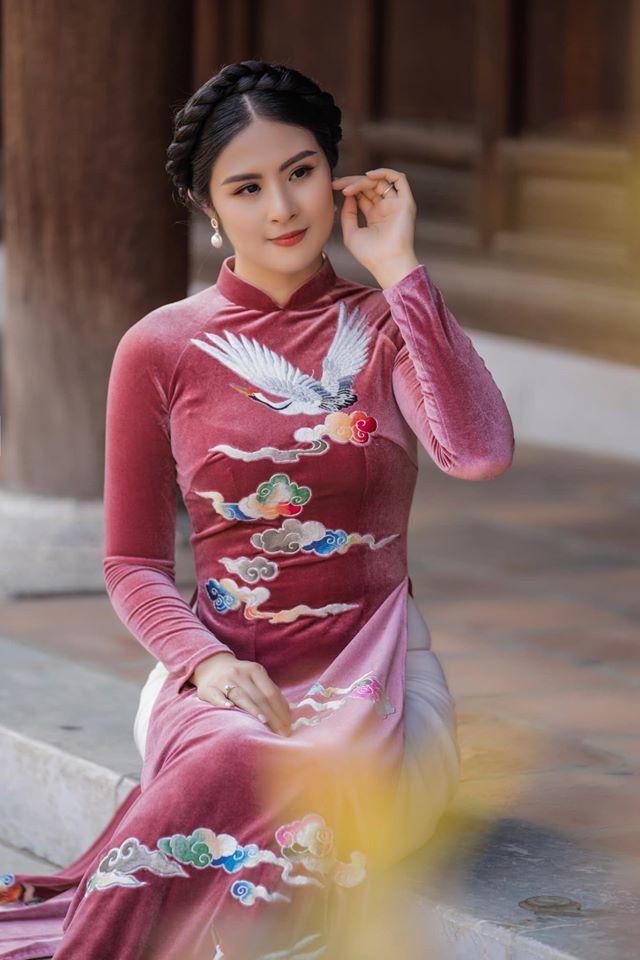 Hoa hậu Ngọc Hân 'chơi lớn' xuống tóc mặc vest táo bạo