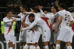 Cầu thủ Roma không nhận lương 4 tháng, giúp CLB vượt khó Covid-19