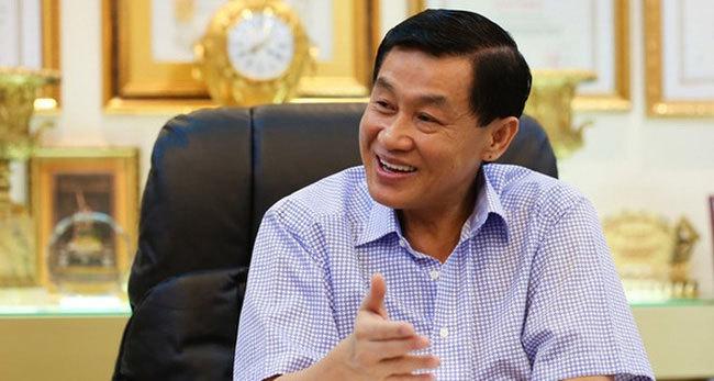 Khắp nơi tê liệt, nhà Johnathan Hạnh Nguyễn mất đứt ngàn tỷ