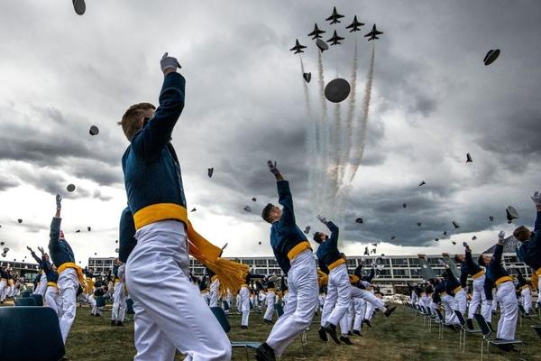 Lễ tốt nghiệp đặc biệt của Học viện Không quân Mỹ giữa mùa dịch