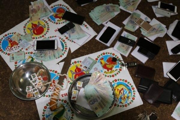 Triệt phá tụ điểm đánh bạc 'xóc bầu cua' ở Quảng Bình