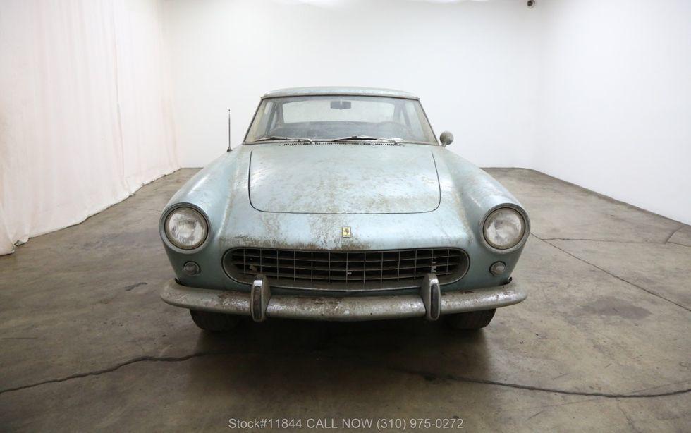 Xe cổ Ferrari bị bỏ xó 40 năm rao giá hơn 6 tỷ