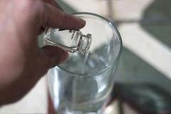 Bình rượu cướp 2 mạng sống và thứ nước độc từ mối tình vụng trộm