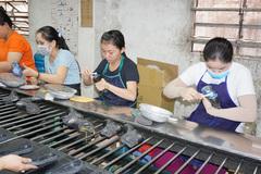 Người lao động cần làm gì để được hưởng gói hỗ trợ về an sinh xã hội 62.000 tỷ?