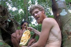 Kỹ sư lương cao bỏ việc để sống cùng bộ tộc trong rừng sâu