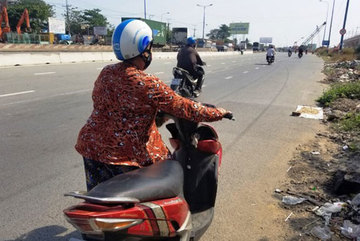 HCM City and Binh Duong asked to trace nail-spreaders on national highway