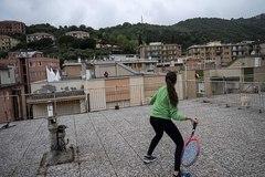Kiểu chơi tennis 'cực độc' giữa mùa cách ly Covid-19
