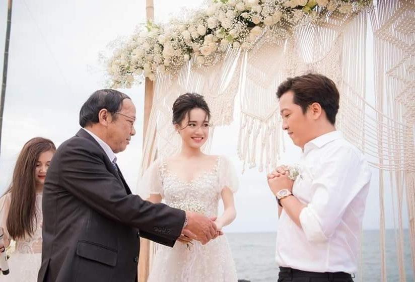 Trường Giang - Nhã Phương khoe ảnh cưới lãng mạn sau 2 năm kết hôn
